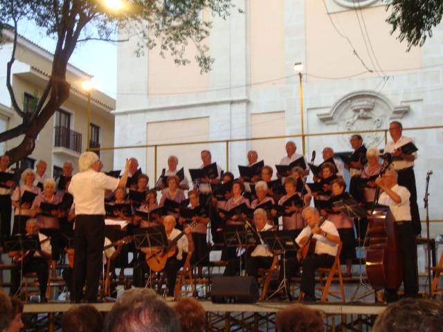 (2011-07-02) Concierto Rondalla-CEAM - Javier Montesinos Villaplana (02)
