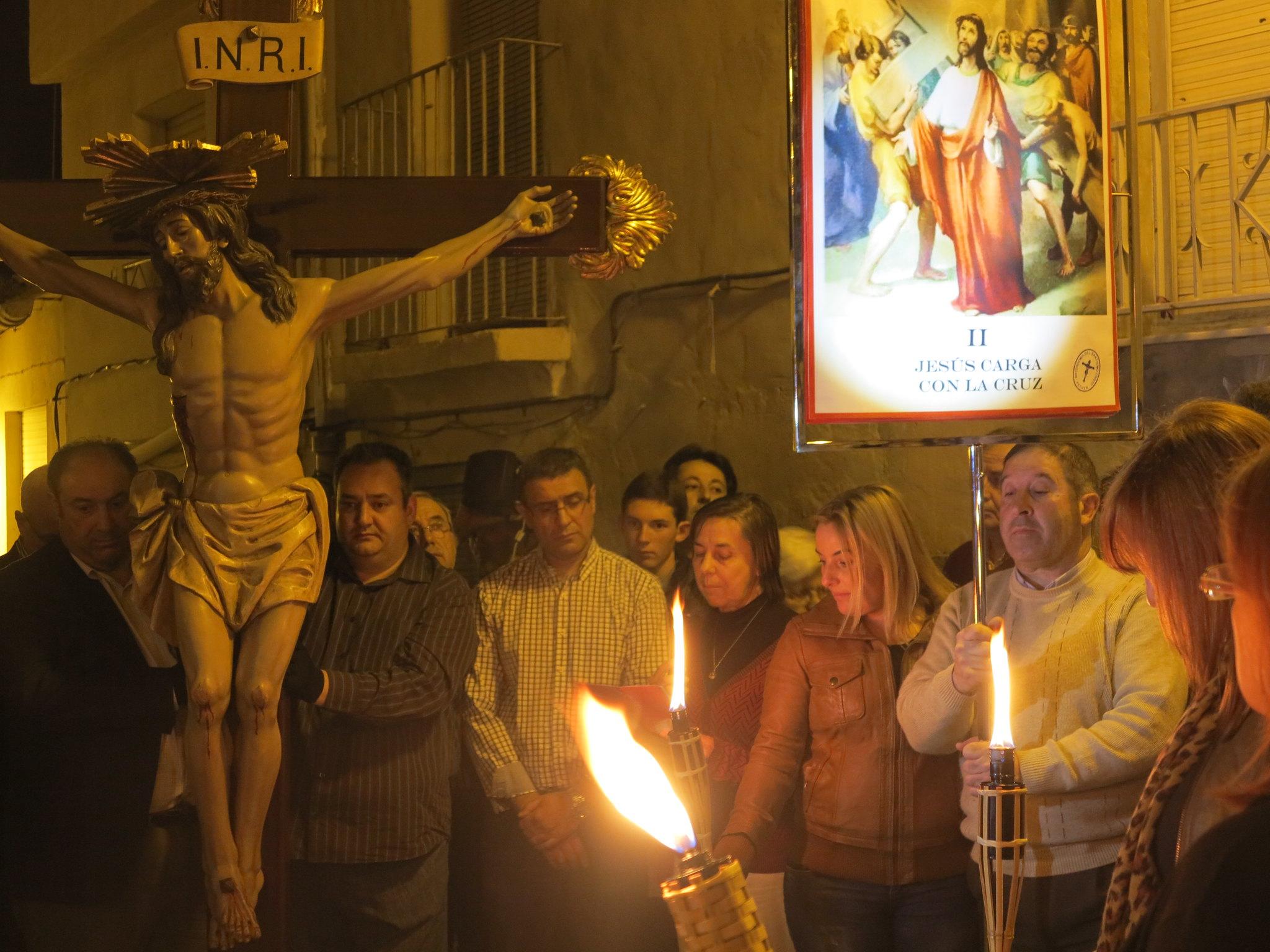 (2014-04-01) - V Vía Crucis nocturno - Antonio José Verdú Navarro (14)