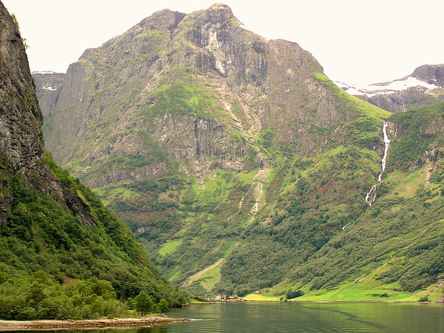 Smalste stuk van de Naeroyfjord