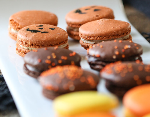 Pumpkin Halloween macarons | by Berries.com