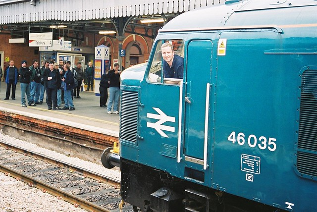 46035 at Salisbury, 17/5/03, pausing on the 'Sarum Sulzers'.