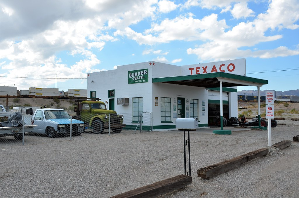 Gas Stations In California >> California Needles Former Gas Station Texaco Flickr