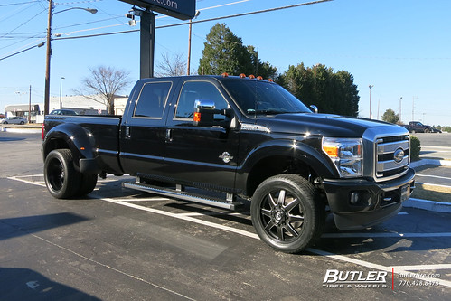 Ford F350 Dually with 22in Fuel Maverick Dually Wheels and ...