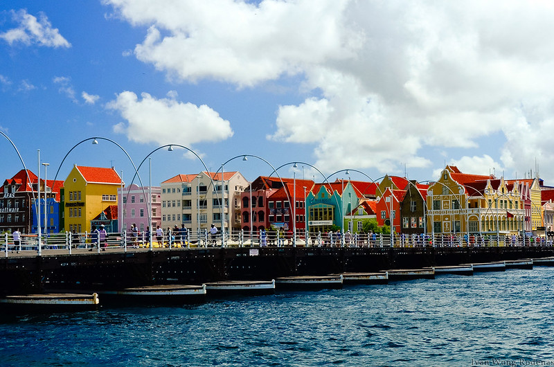 Colorful Curacao310113 (66)