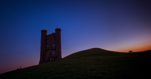morning blue light sky orange cloud abstract cold building tower castle english ice silhouette yellow stone sunrise walking landscape golden climb countryside early frozen spring big high frost top wildlife broadway first cotswolds hike fresh historic summit british worcestershire hillside beacon hilltop folly goldenhour sunup lightroom cotswold cotswoldway dxooptics