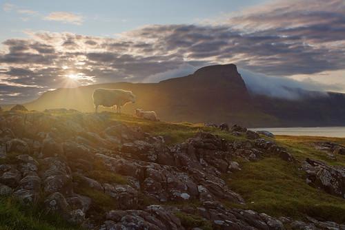 uk morning light mountains skye fog sunrise point scotland isle sheeps neist