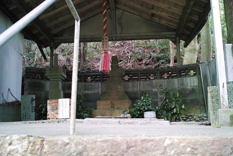 那智、曼荼羅の道、北条政子供養塔