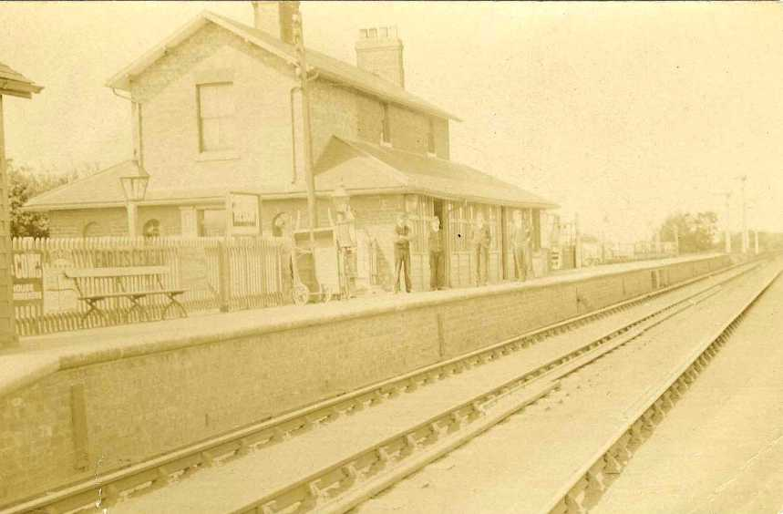 Hedon railway station c.1900  (archive ref PO-1-60-13)