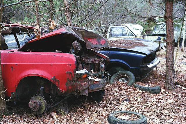 Ford Escort MKII crashed - Forgotten cars
