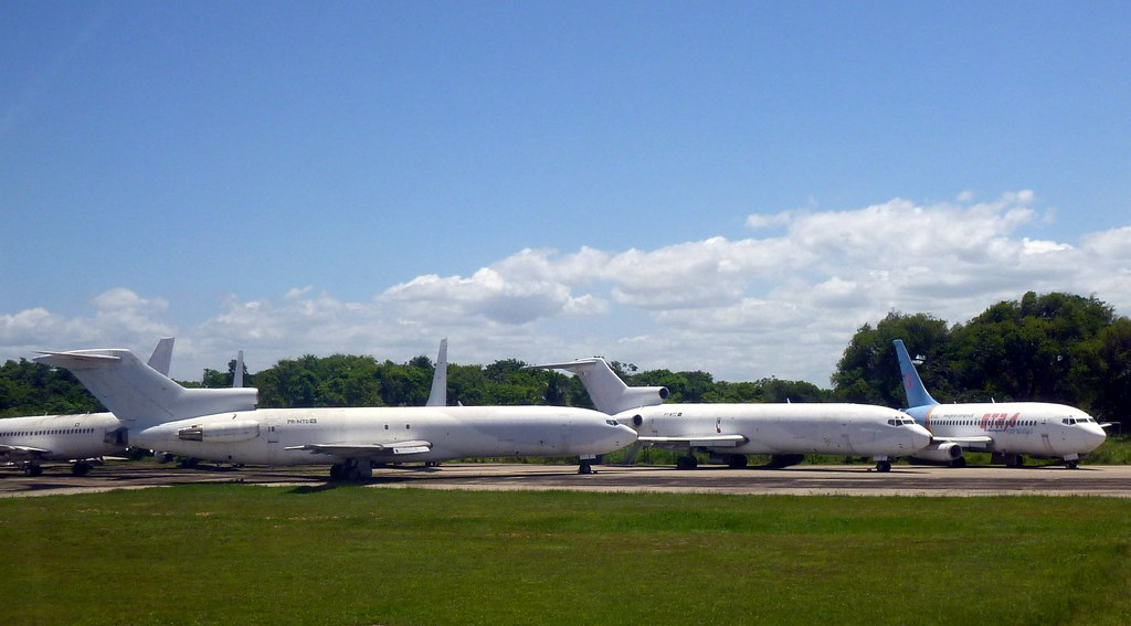 Retired - Old Boeing 727-227F PR-MTD and another/ Aposentados - Velho Boeing 727-227F PR-MTD e outros