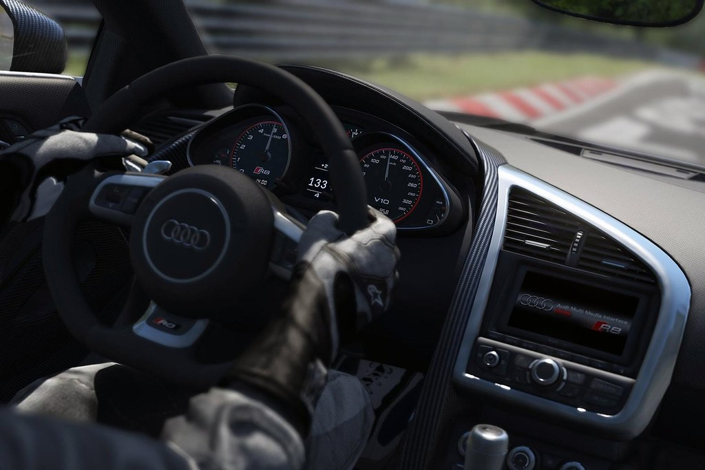 in-car-screen-shot-from-driving-sim-game-assetto-corsa (1)
