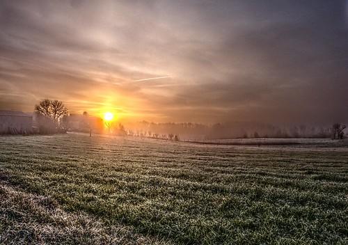 sky sun green fog clouds sunrise landscape soleil lot nuages brouillard brume leverdesoleil causse aube quercy fz150