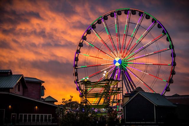 Early morning ferris wheel