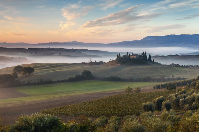 *Tuscany - the ideal landscape*                                                                                                                    *Toskana - die ideale Landschaft*