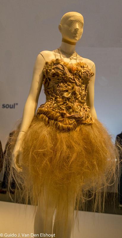 Hairy Dress I56A6570