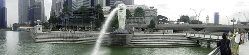 Singapore legendary symbol, the Merlion fountain sculpture