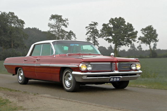 Pontiac Bonneville Vista 4-door Hardtop Sedan 1962 (2887)