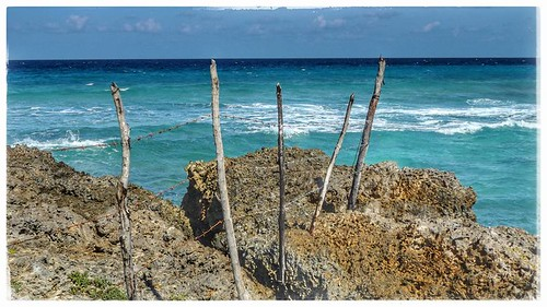 ocean sea beach fence landscape waves outdoor cuba shore holguin rafaelfreyre rocklimestone