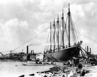 """City of Portland"" attempting to help capsized ""Prinz Valdemar"" - Miami"