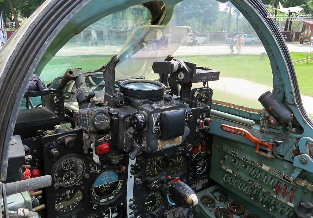 56911 Bangladesh Air Force A 5C Fantan Cockpit