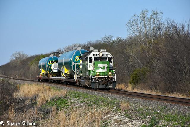 BNSF 1835 leads the Boeing train.