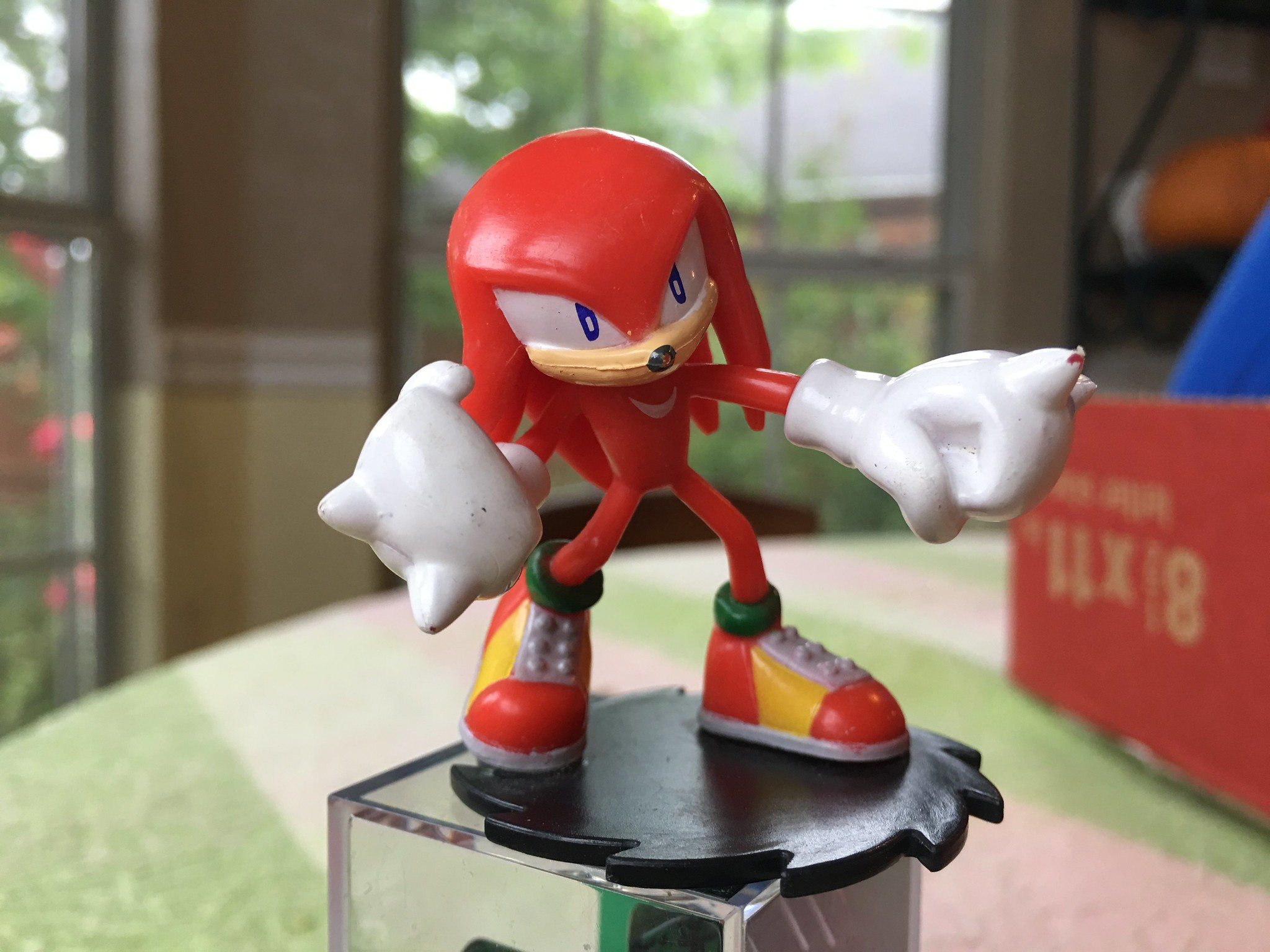 It's Knuckles!