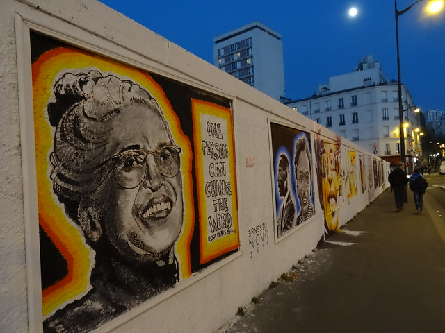 Rosa Parks fait le mur, fresque de 493 mètres de long autour du thème de la lutte contre les discriminations