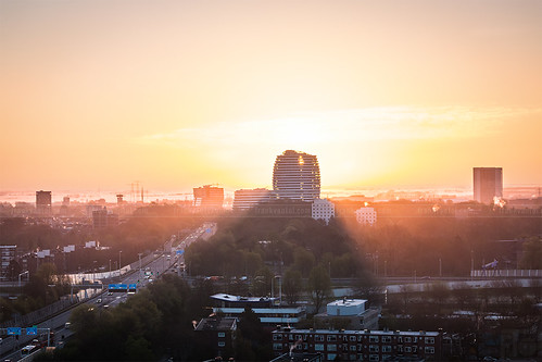 city morning sun holland dutch sunrise cityscape duo nederland ring nl groningen zon a7 stad ochtend zonsopgang a28 belastingdienst zonsopkomst wegderverenigdenaties stadsgezicht ringweg julianaplein zuidelijkeringweg