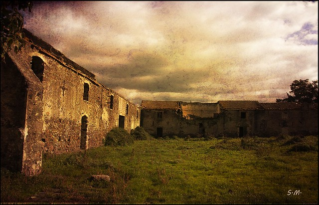 Ruderi di un antico Borgo Rurale