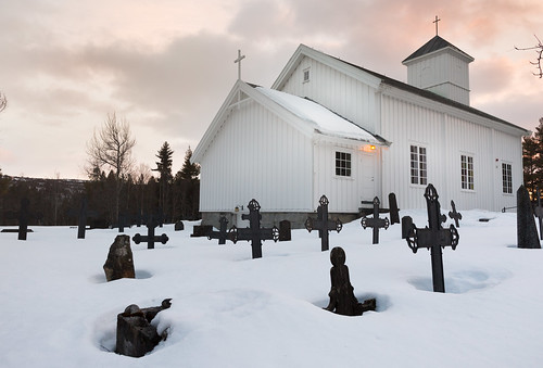 city winter sunset white snow church grave norway canon death melting cityscape cross pray christian soul 24mm dagali underthesnow 5dmarkiii
