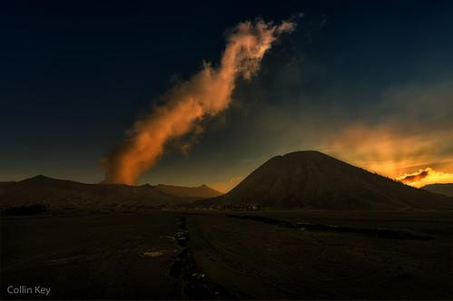 sunset mountains indonesia landscape volcano java desert dusk idn mountbromo seaofsand smokecloud tenggercaldera mountbatok