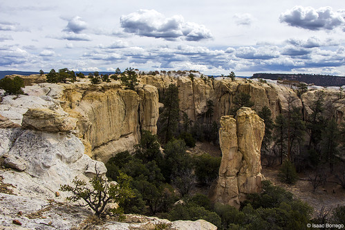 uploadedviaflickrqcom canyon bluff sandstone rocks clouds sky elmorro nationalmonument grants newmexico canonrebelt4i desert unitedstates america usa nationalparks nationalparksystem nps findyourpark landofenchantment southwest departmentofinterior publiclands