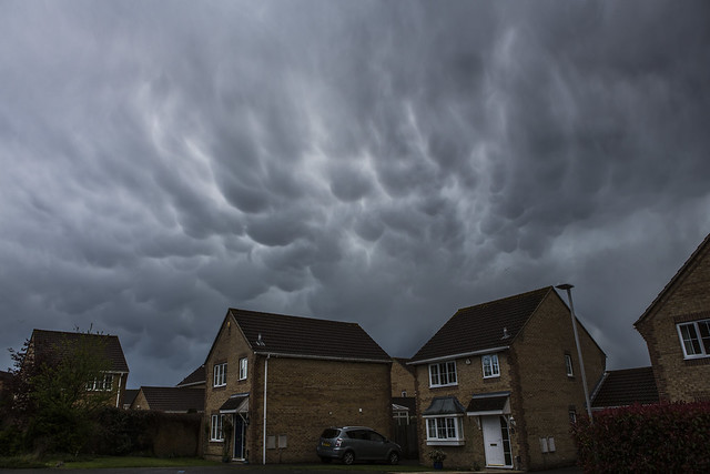 Strange Weather in the UK with Mamatus Clouds