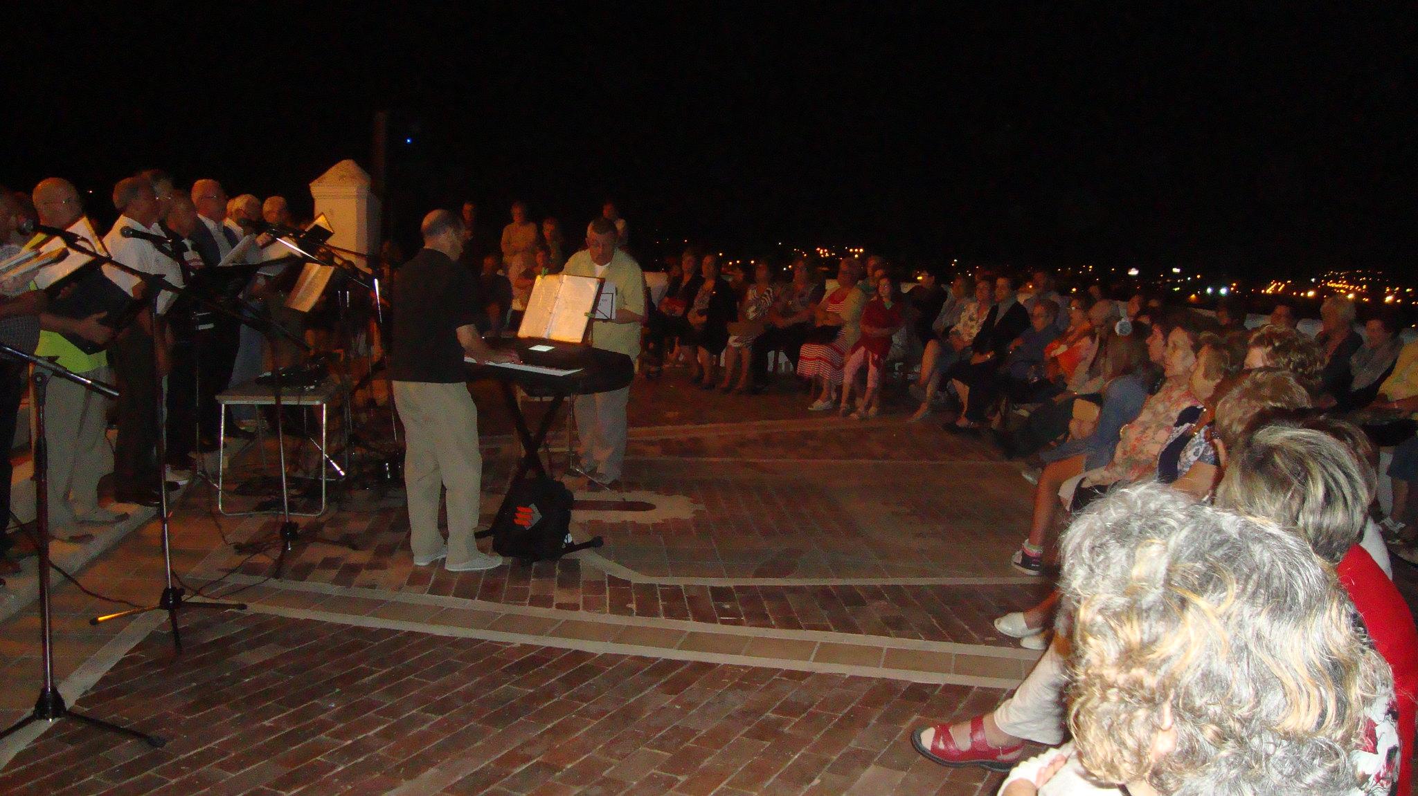 (2012-06-15) - III Serenata Los Marchosos - Javier Montesinos Villaplana (02)