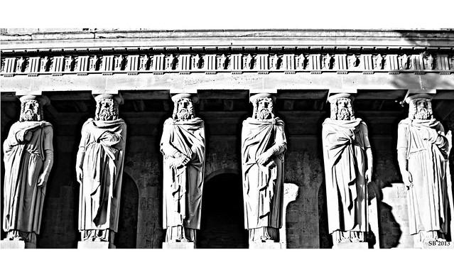Antiche Divinità Dimenticate dagli Uomini