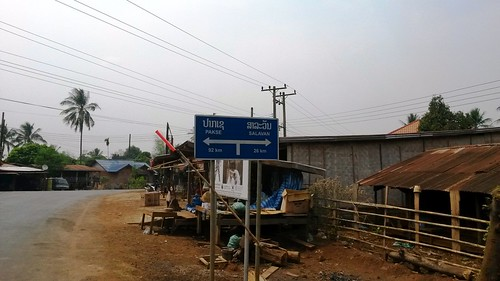 Pakse road sign