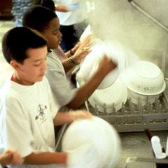 3_washing_dishes