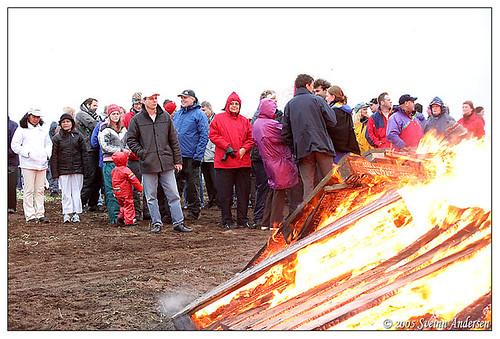 Bálið brennur
