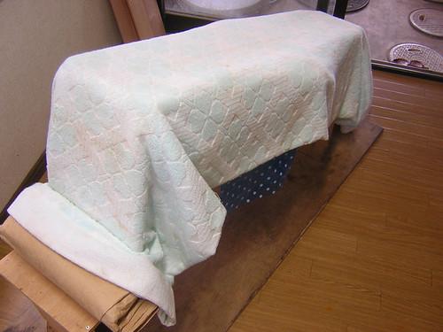 毛布で覆われた削き台
