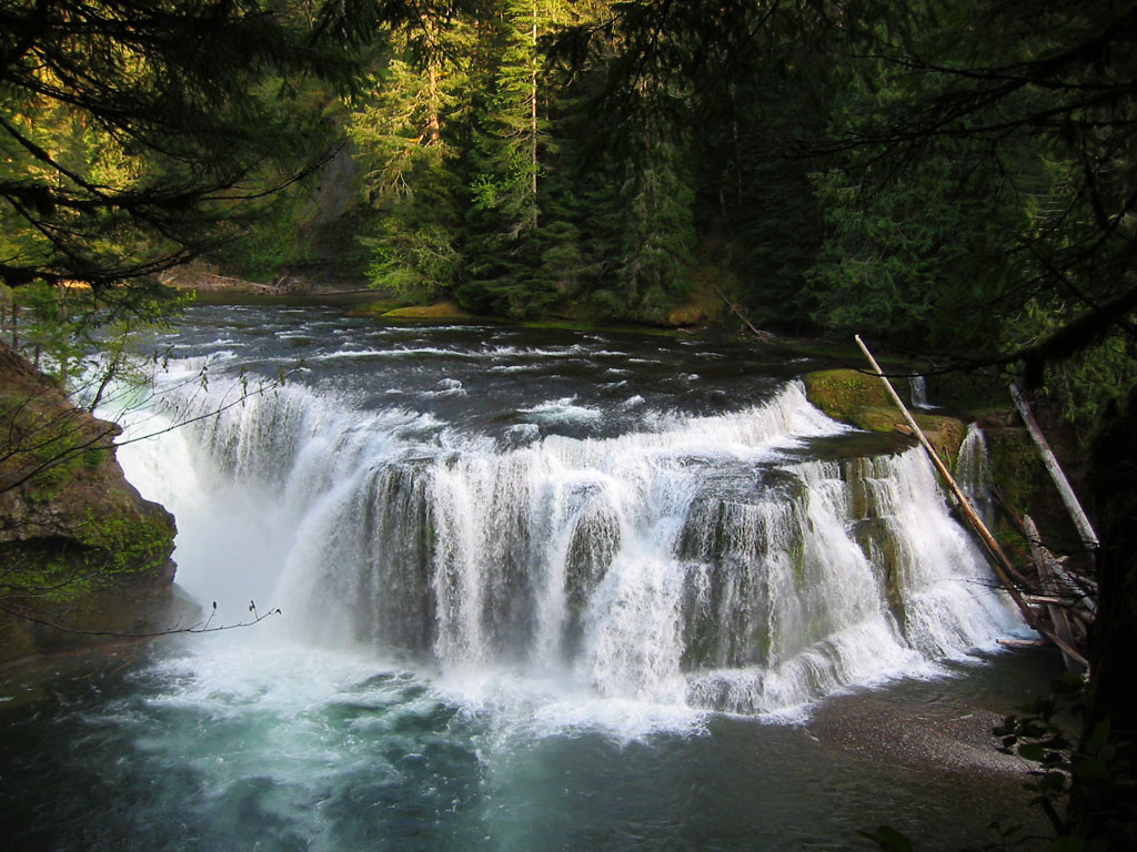 Lewis Falls | One of several waterfalls of the Lewis River i… | Flickr