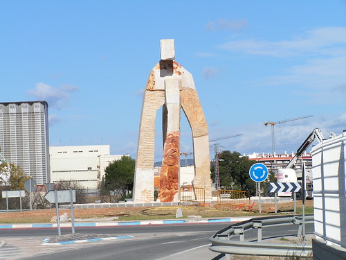 Homenatge a Amposta, rotonda de l'Eix de l'Ebre | by manelzaera