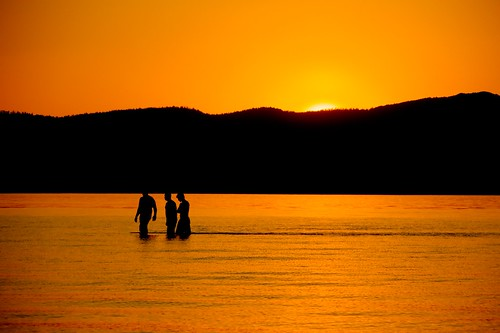sunset people orange mountain lake reflection water laketahoe southlaketahoe threeboys threemen threeguys waterpictorial joelach
