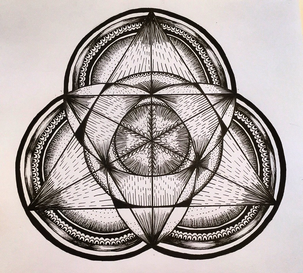 4e1df88daee66 Triangle Mandala | by marusaart Triangle Mandala | by marusaart