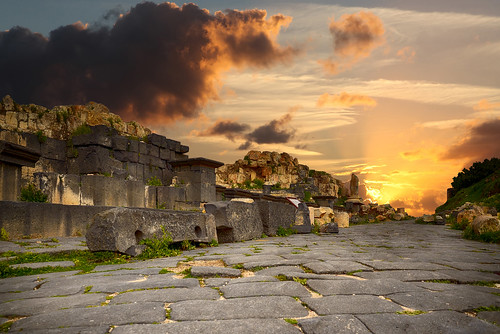 travel heritage history sunrise ruins jordan romans cloudysky jordania ummqais bathes sigmalens nikond3100 gadaracity jordnien