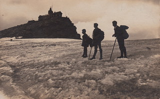 Mountain climbers, no. 12 (5 August 1908)