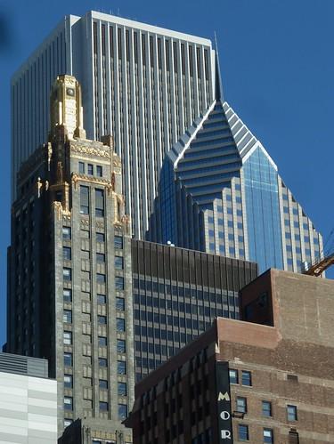 urban chicago architecture buildings cityscape skyscrapers oldunioncarbidebuilding newprudentialbuilding