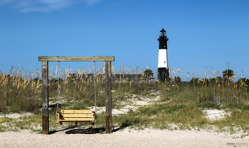 wood blue light shadow sky usa lighthouse white green tower beach nature grass architecture america landscape faro us sand day view unitedstates vivid natura shore vista spiaggia paesaggio eastcoast sabbia panchina statiuniti andreamoscato
