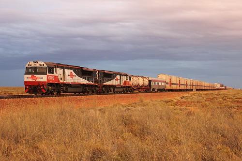 sunset train railway locomotive southaustralia edi sct downer pimba sctclass sct012 edidowner