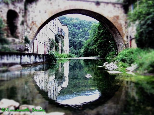 Jette-moi un pont sur l'eau - Throw me a bridge on the water