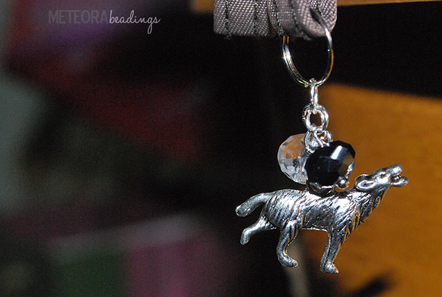 Keychain - black and clear beads with silver wolf charm